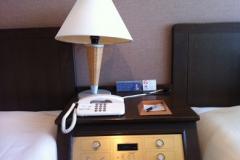 客室ナイトボード&ベッドスタンド
